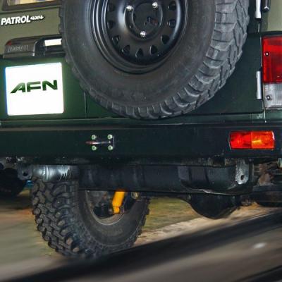 Paragolpe trasero c /hueco luces Nissan Patrol GR Y60